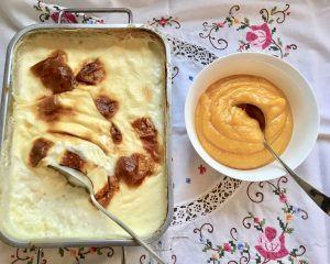 Creamy rice pudding and apricot compote